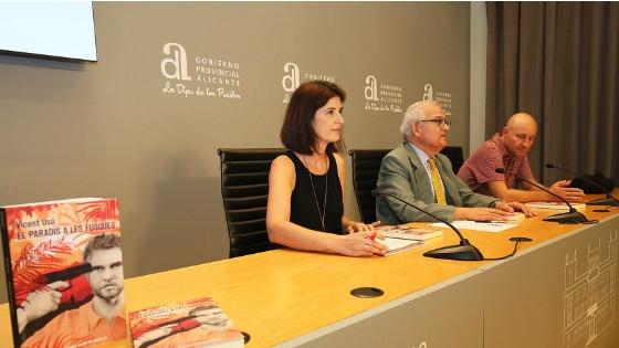 La obra ganadora del último Premi Enric Valor, 'El paradís a les fosques', llega a las librerías de todo el país