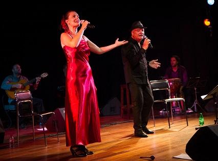 French Latino lleva al Aula de Cultura de Alicante la fusión de su música mediterránea y latina