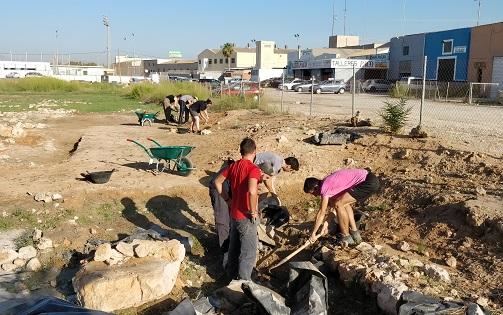 """El Ayuntamiento de Santa Pola, junto con la Universidad de Alicante, retoma las excavaciones en el yacimiento """"La Picola"""""""