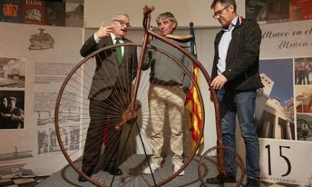 """""""A pedales por la Historia"""" una exposición que repasa la historia y evolución de la bicicleta en la Diputación de Alicante"""