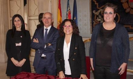 L'Ajuntament d'Alacant, el Banc Sabadell i la Generalitat fan efectiva la seua entrada al Teatre Principal