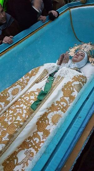 Más de 4.000 personas participan en la romería de la Venida de la Virgen