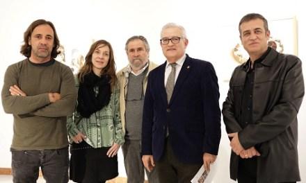 """Ninguna imagen es trivial en la exposición """"'Huellas * Diálogos * Comunidad. IDENTIDADES FOTOGRÁFICAS"""" de la Diputación de Alicante"""