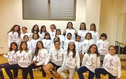 La Escuela Municipal de Danza de Orihuela estrena nueva equipación