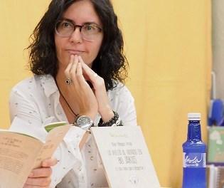 Cruzamos el puente de los espejos con… Itziar Mínguez Arnáiz: la disyuntiva entre el poema y la vida