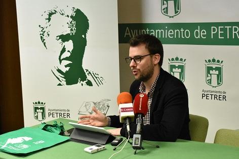 """Ricardo Bermejo y Raimond Aguiló, ganadores del XVIII Certamen Nacional de Poesía """"Paco Mollá"""" 2018"""