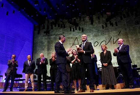 Un thriller amb molta humanitat ha sigut el Premi Azorín 2019