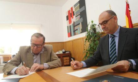 La Universitat d'Alacant i el Club Nàutic de Torrevella s'alien per a potenciar l'activitat d'extensió universitària