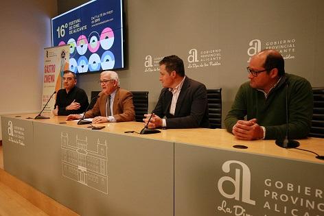 El chef Kiko Moya recibe el I Premio Gastro Cinema enmarcado en el XVI Festival de Cine de Alicante