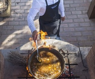 Vinos Alicante DOP promociona los sarmientos como parte de la gastronomía