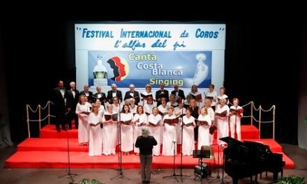200 vocalistes de 20 de països s'han donat cita en el huité Festival Internacional de Cors de l'Alfàs