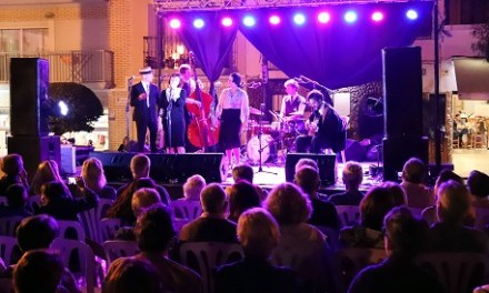 Éxito de público en el primer concierto del 'Benidorm Music Jazz'en la Plaça de la Senyoria