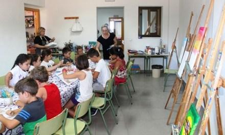 """La Regidoria d'Educació de Finestrat amplia l'edat de l'escola d'estiu i el """"Campus d'Art"""" fins als 16 anys"""