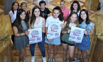 El Taller de Teatro de Juventud representa las obras 'Fuenteovejuna' y '¿Quién me compra un lío?' en el Teatro Castelar de Elda