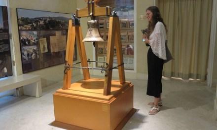 El Museu Arqueològic d'Alcoi ja exhibeix la Campana de Barxell totalment restaurada