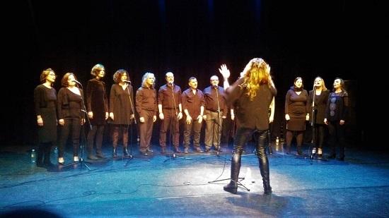 El Gospel arriba al Estiu Festiu de l'Alfàs del Pí de la mà de Rebeca Roods Black Light Gospel Choir