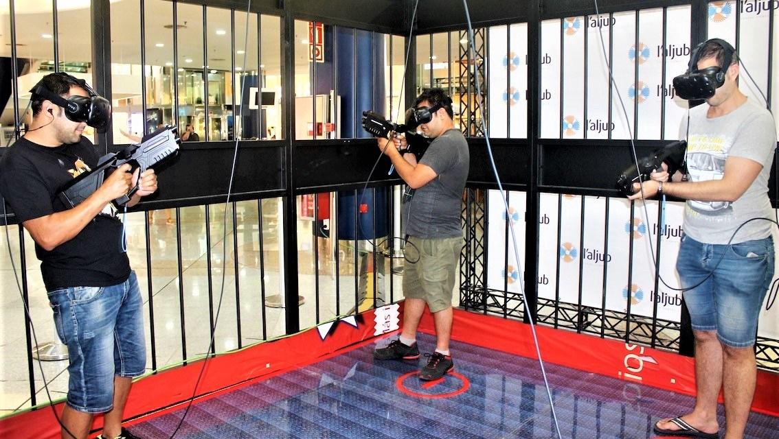 La gàbia de realitat virtual de l'Aljub d'Elx submergeix a grans i xicotets en la gran experiència 3D