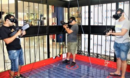 La jaula de realidad virtual de l'Aljub de Elche sumerge a grandes y pequeños en la gran experiencia 3D