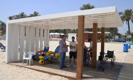 Oriola disposa de quatre zones de bany adaptat a les seues platges
