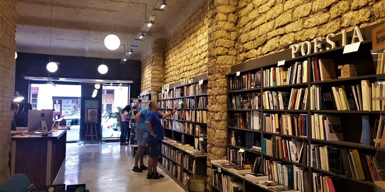 La librería Pynchon&Co. de Alicante abre su nuevo lugar que es mágico
