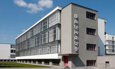 La crítica d'art d»El País', Ángela Molina, inaugura en la seu un cicle dedicat a l'Escola Bauhaus en el centenari de la creació