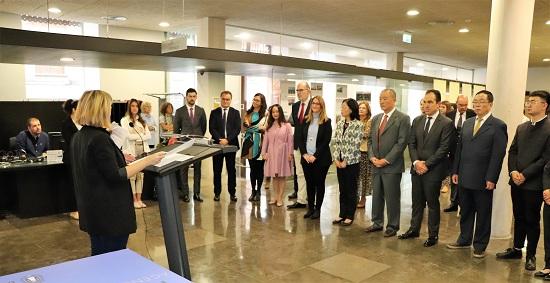 L'Ajuntament d'Alacant rep a una delegació xinesa de Suzhou i obri una exposició sobre aquesta ciutat mil·lenària en Porta Ferrisa