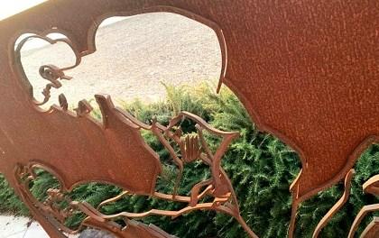 El Ayuntamiento de Altea condena los actos vandálicos en 3 esculturas de Antoni Miró expuestas en el Paseo del Mediterráneo