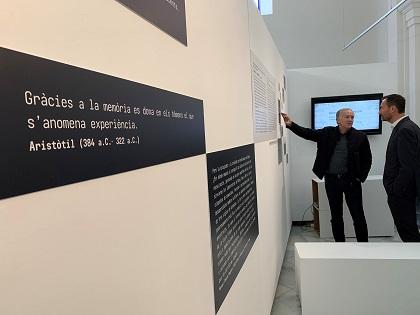 Elche pone en valor su patrimonio e invita a reflexionar sobre la memoria histórica con una exposición de más de 300 imágenes