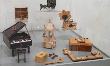 Muestra temporal de juguetes musicales en el Museo del Juguete de Ibi