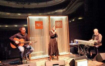 """""""Momentos Alhambra"""" volvió el miércoles al Teatro Principal con un exclusivo acústico de Georgina"""