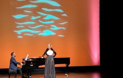 Ovacions per a la gran dama de la lírica Ainhoa Arteta en el Auditori Teulada Moraira