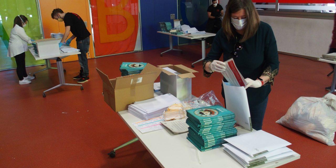 Villena agraeix als més xicotets la seua actitud davant el confinament amb l'obsequi de 3.600 llibres d'autors locals