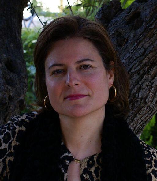 Creuem el Pont dels Espills amb… Mª Engracia Sigüenza Pacheco: Huellas en el paraíso