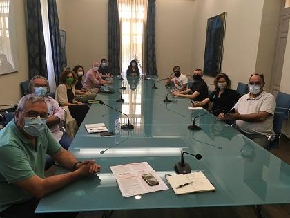 La Diputación estudia el desarrollo de un programa cultural en otoño de la mano del sector de las artes escénicas