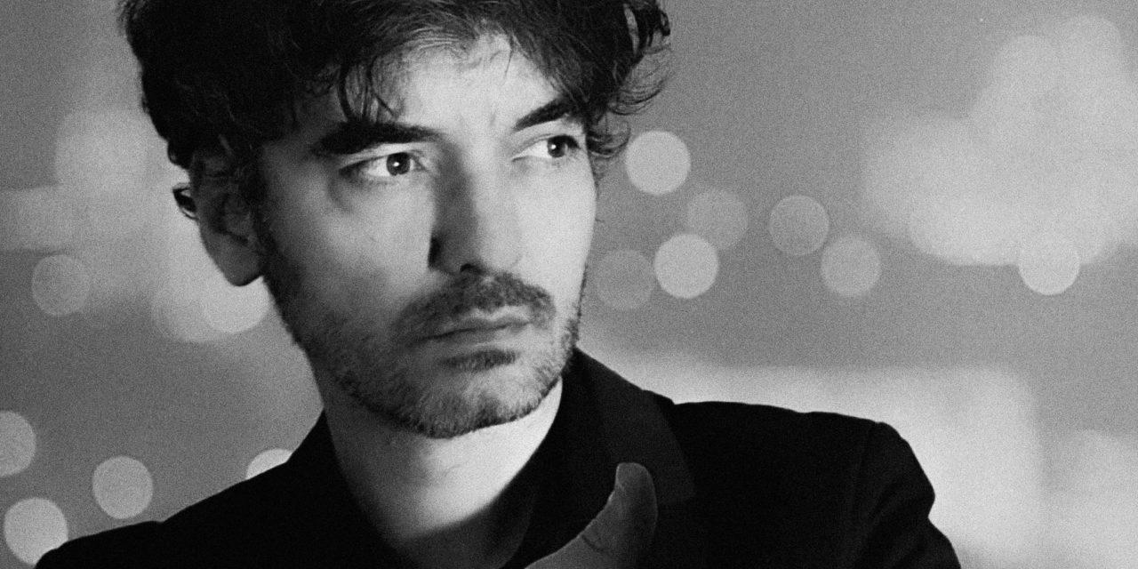 Sean Frutos lanza «Ilustres opinadores», el primer adelanto de su proyecto en solitario