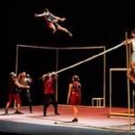 """En agosto el espectáculo de circo """"Áureo"""" en la fachada del Teatro Chapí de Villena"""