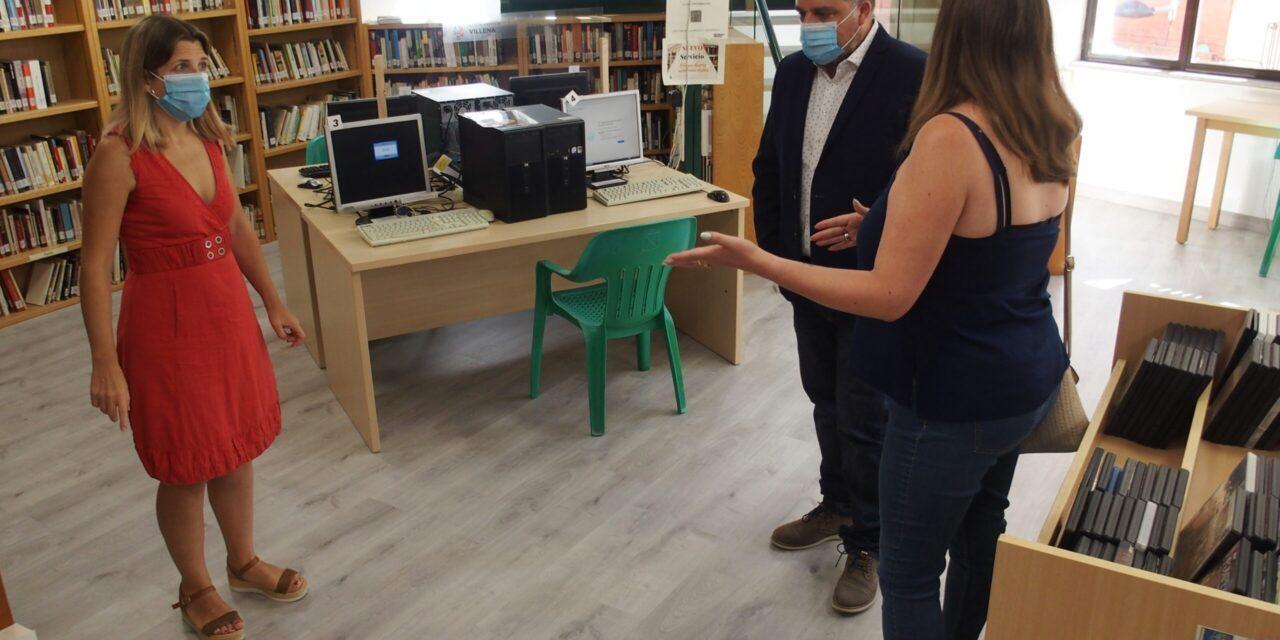 Renovada la imagen de la Biblioteca Miguel Hernández de Villena