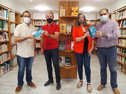 Donación de dos libros con las Fiestas de Moros y Cristianos de Villena como experiencia académica de innovación docente
