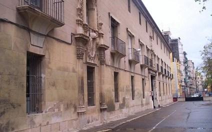 El Ayuntamiento de Alicante inicia la redacción de los proyectos para completar Las Cigarreras y la recuperación del claustro de la Casa de la Misericordia