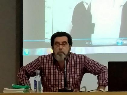 """Mariano Sánchez Soler ha recitado este miércoles en el Ciclo de """"Encuentros con la poesía"""" de 0rihuela"""