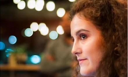 Creuem El Pont dels Espills amb… Iria Fariñas : Diálogos invisibles