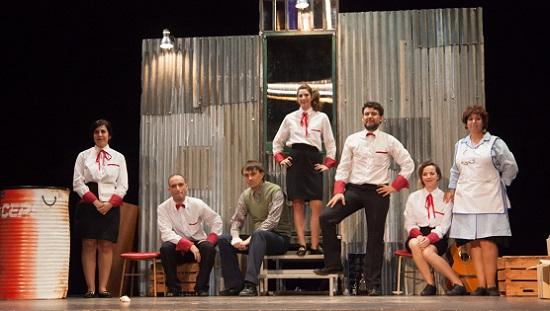 """La companyia """"Almadraba Teatro"""" de El Campello s'emporta quatre premis de la Mostra de Cullera"""