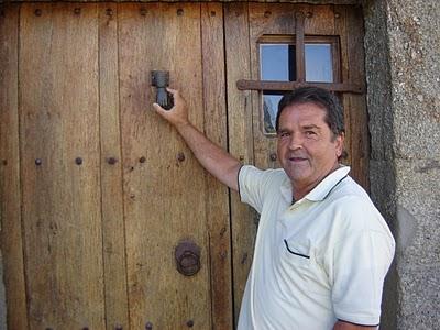 Cruzamos El Puente de los Espejos con… Mariano Estrada: La luz de lo acontecido