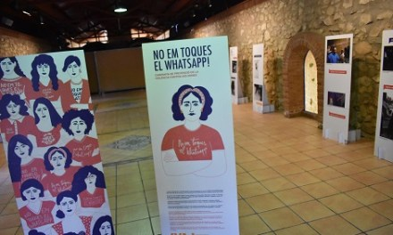 """El Forn Cultural de Peter acoge la exposición """"No em toques el WhatsApp"""" sobre la violencia machista"""