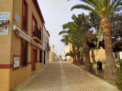 El Ayuntamiento  mejora el patrimonio de la isla de Tabarca y pinta las fachadas de sus viviendas con una subvención de 10.000€