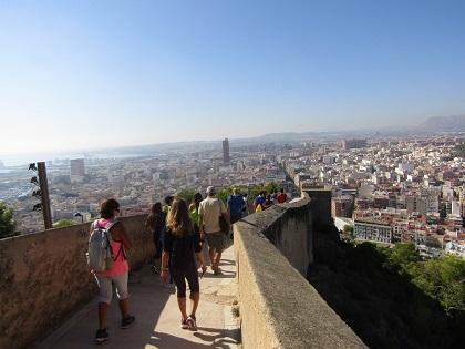 El Ayuntamiento presenta los Senderos de Primavera con seis itinerarios por los parajes medioambientales de Alicante