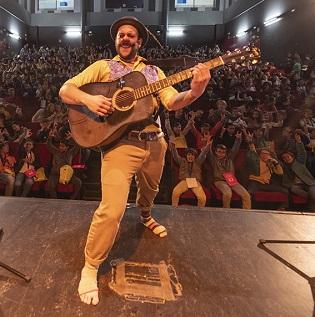 Carlos 'el Tortu' reobri la programació teatral per al públic infantil a Villena