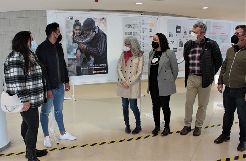 Tres exposicions s'apropen a la història i a la realitat del poble gitano a la Universitat d'Alacant