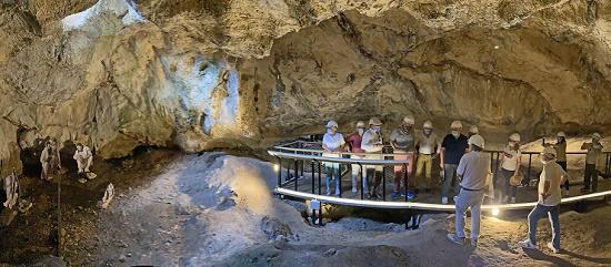 La Diputación y el Ayuntamiento de Beniarrés culminan el proceso de apertura al público de la Cova de L'Or