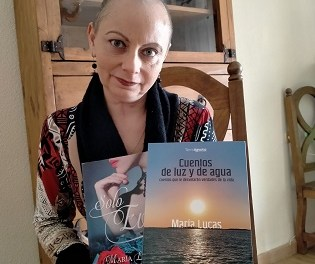 """La escritora alicantina María Lucas presenta el libro """"Cuentos de luz y agua"""""""